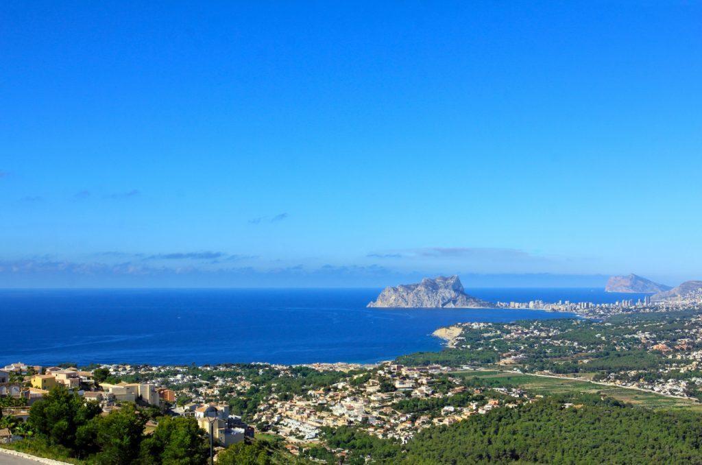 Ferieboliger, ejerlejligheder, villa og rækkehuse i Alicante, Costa Blanca Spanien